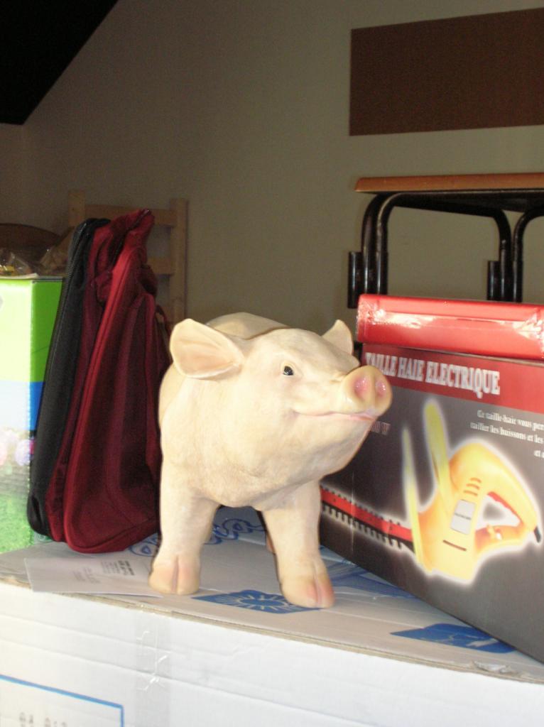 Et un cochon en résine à gagner